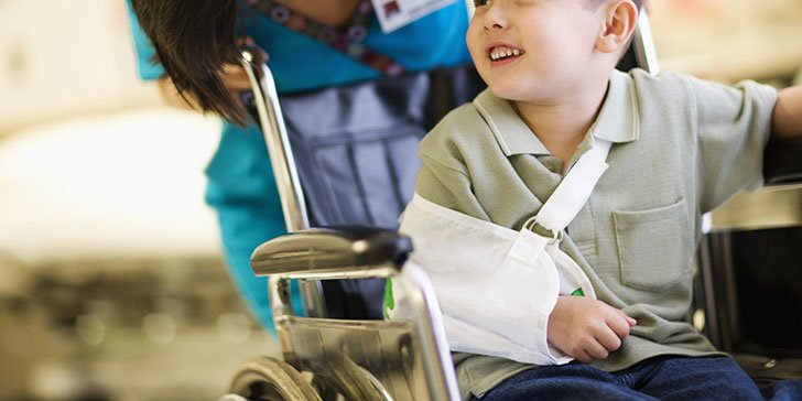 7-ways-to-know-if-your-child-has-a-broken-bone_1